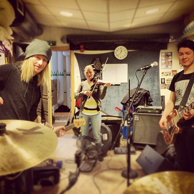 Rehearsing for our upcoming tour. Less then a week left till we hit Germany, Switzerland and Belgium :) #sirreg