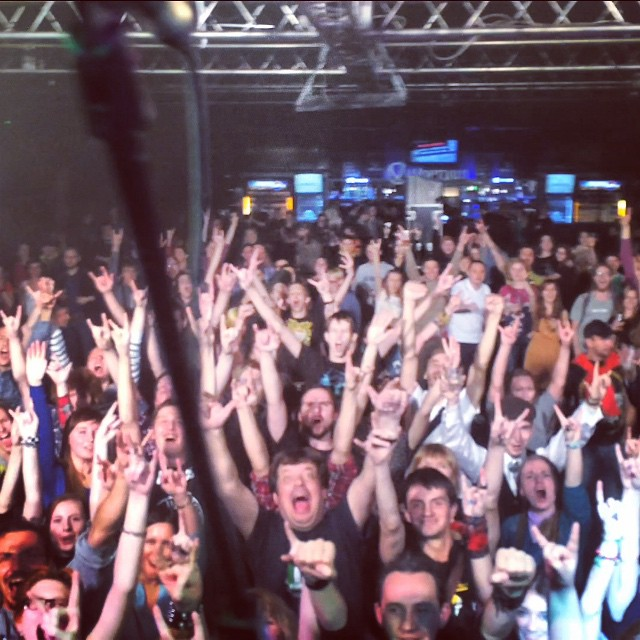 St Petersburg, you guys are mad and we love madness!!! #sirreg #russia #fiddlersgreen #paddyandtherats #clubzal